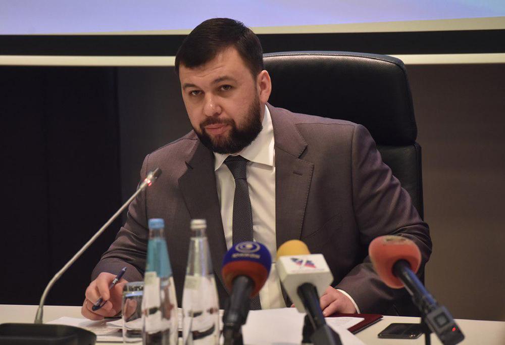 Глава ДНР Денис Пушилин поручил обеспечить города и районы специализированной техникой и провести ремонт дорог