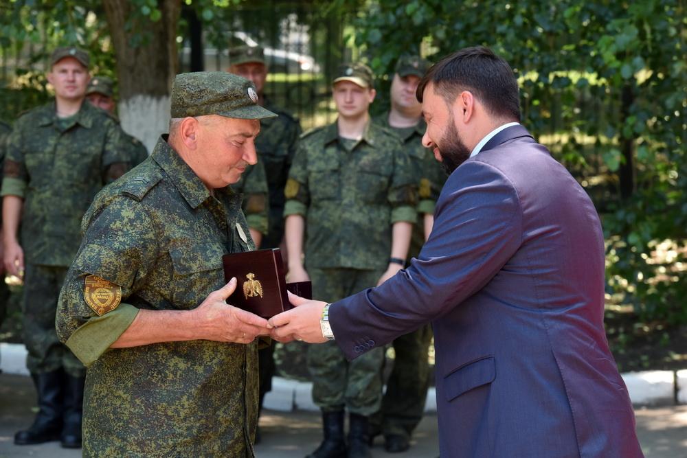 Глава ДНР Денис Пушилин вручил государственные награды 38 военнослужащим