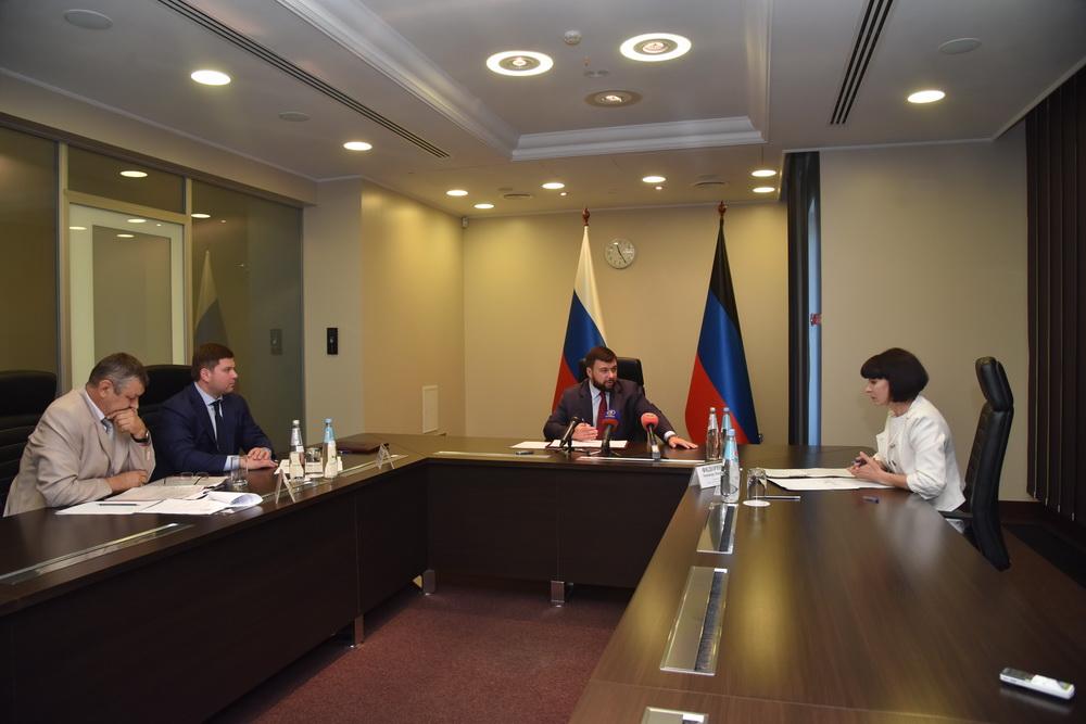Самая горячая пора: Глава ДНР Денис Пушилин провел встречу по вопросам оздоровления детей Республики в летний период