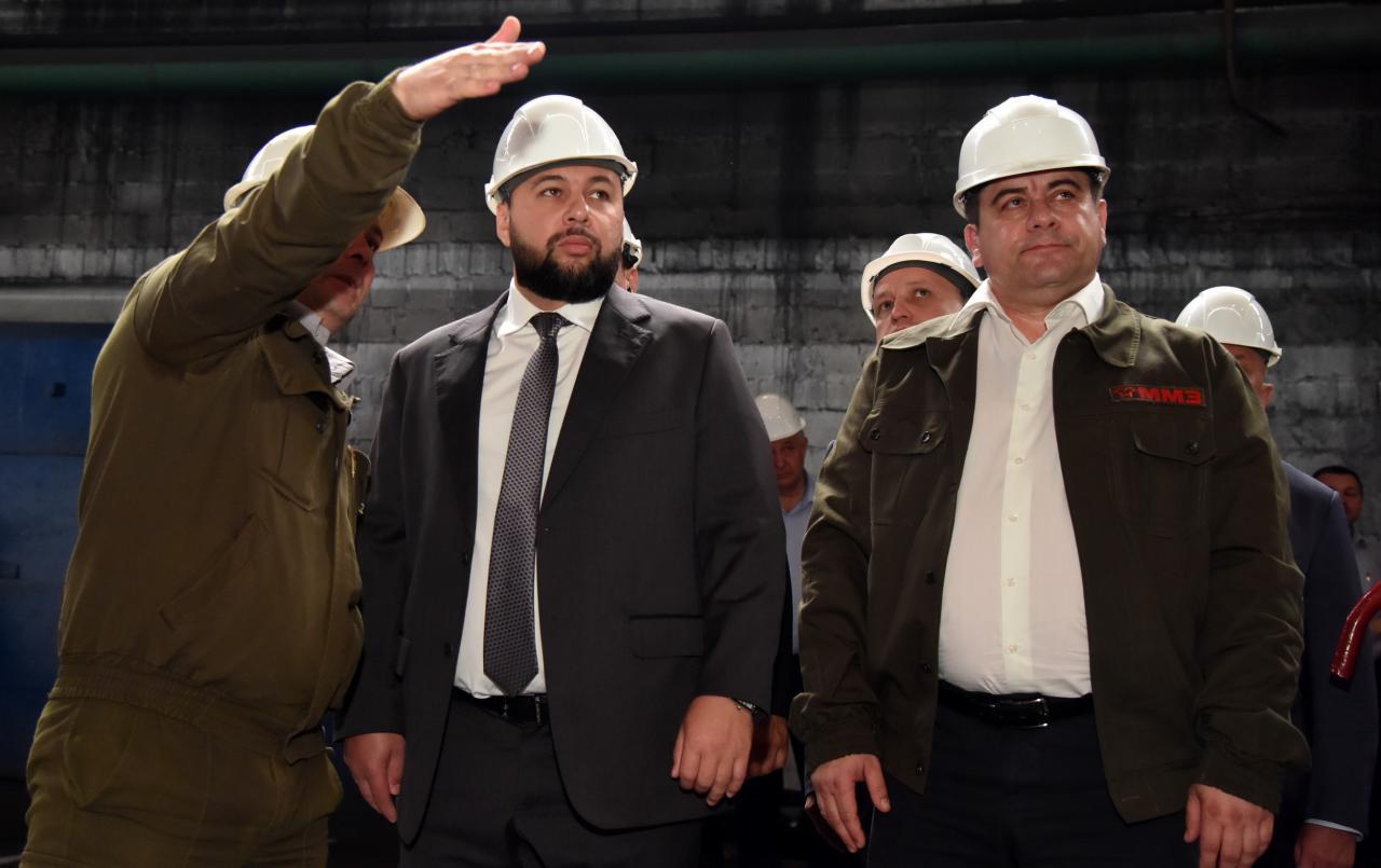 Глава ДНР Денис Пушилин встретился с трудовым коллективом Макеевского металлургического завода