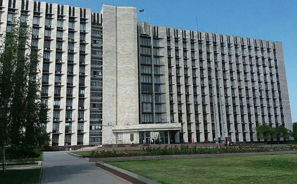 Одной из центральных площадей столицы будет присвоено имя Александра Захарченко – решение Главы ДНР Дениса Пушилина