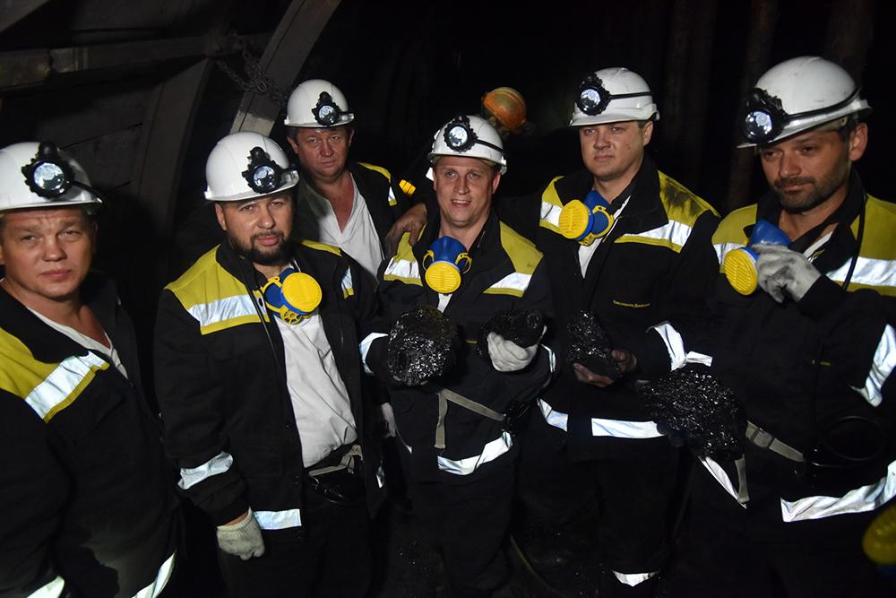 Глава ДНР Денис Пушилин и депутаты Государственной Думы РФ спустились в горные выработки шахты «Комсомолец Донбасса»