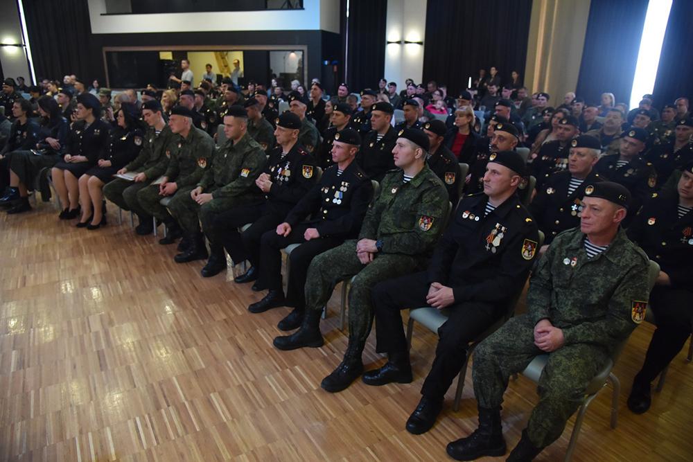 «Сражались там, где труднее всего»: Денис Пушилин поздравил бойцов легендарного батальона «Спарта» с юбилеем подразделения