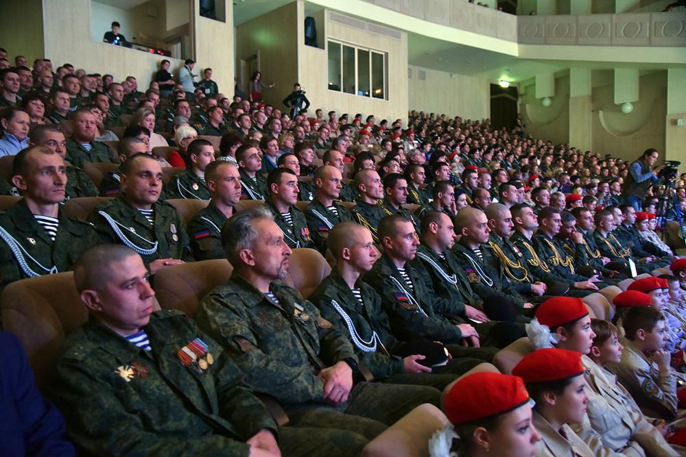 Денис Пушилин поддержал инициативу об увековечении памяти Героев ДНР путем присвоения объектам социально-культурной сферы их имен