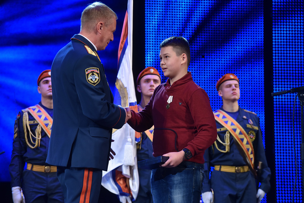 Глава ДНР Денис Пушилин поздравил спасателей Республики с профессиональным праздником