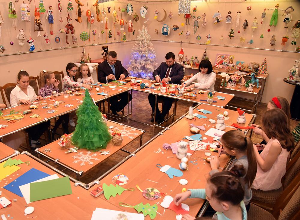Глава Республики поздравил одаренных детей с Днем святого Николая (фоторепортаж)