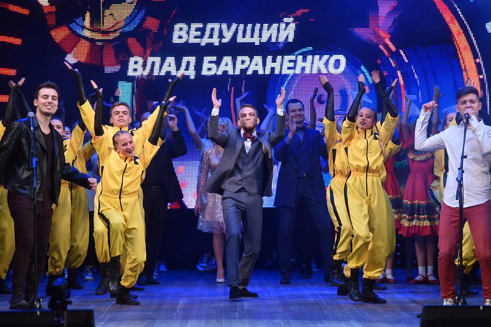 Под патронатом Главы ДНР Дениса Пушилина в Донецке прошел финал проекта «Звезда Республики» (фоторепортаж)