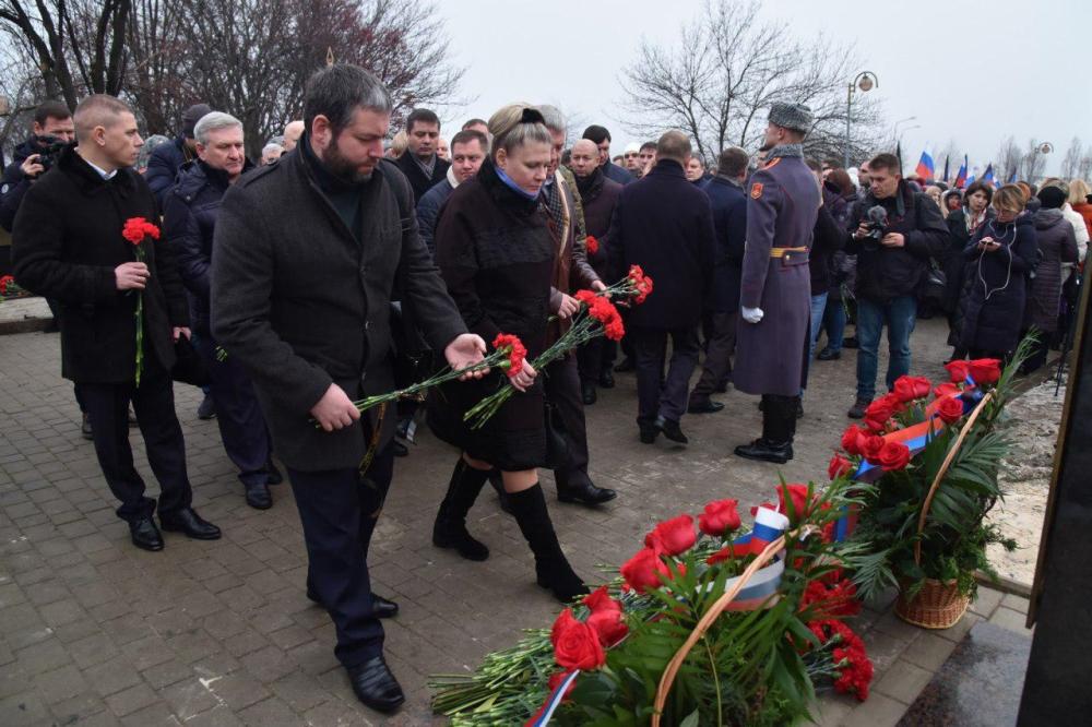 Глава ДНР Денис Пушилин принял участие в открытии бюста Героя Республики Иосифа Кобзона