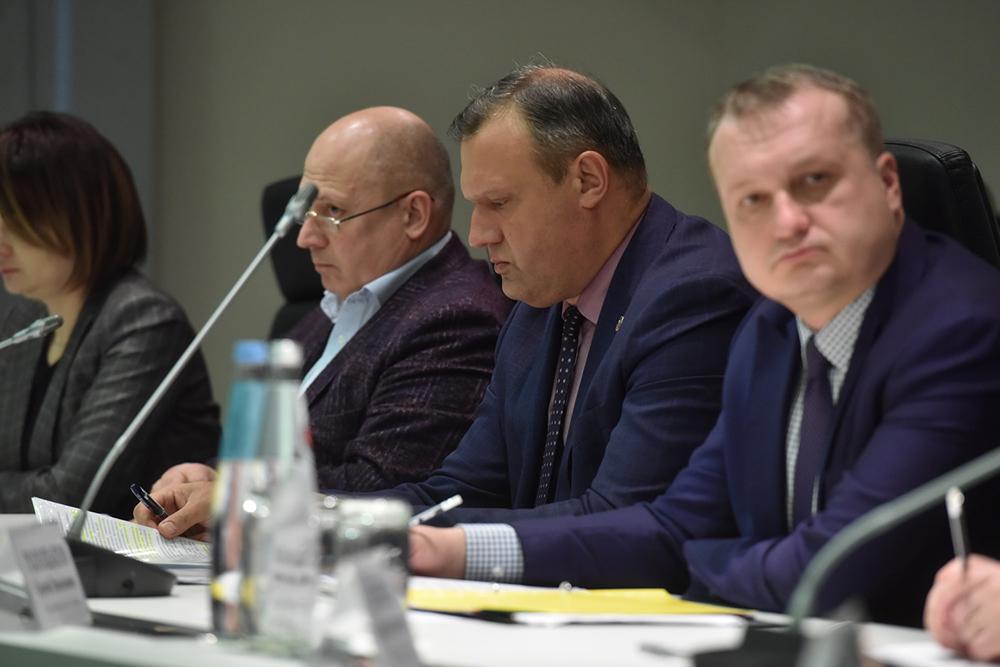 Глава ДНР Денис Пушилин обсудил актуальные вопросы социальной направленности с главами администраций городов и районов