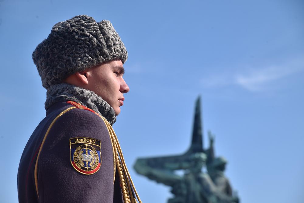 Глава ДНР Денис Пушилин и Президент РЮО Анатолий Бибилов приняли участие в митинге в честь воинов-интернационалистов
