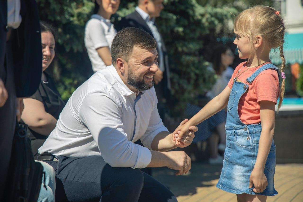 «Русские не сдаются»: Денис Пушилин принял участие в литературной гостиной, посвященной Дню русского языка
