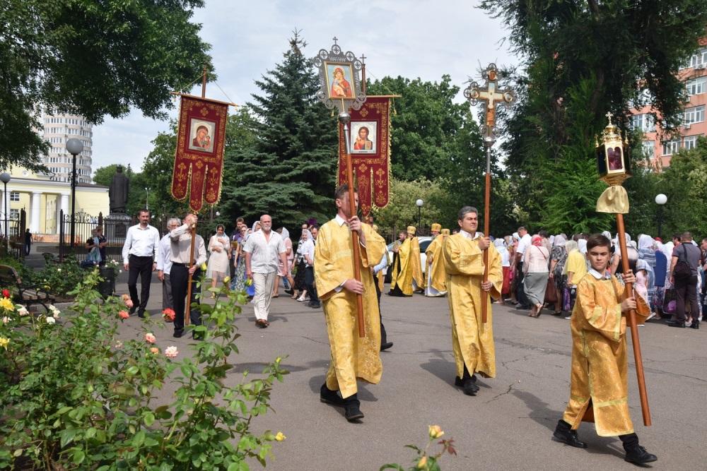 Денис Пушилин поздравил жителей Республики с Днем Крещения Руси